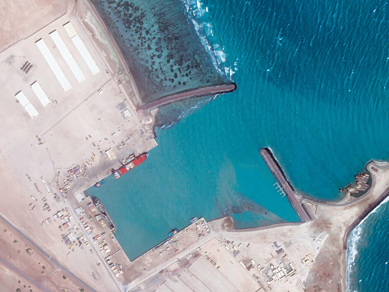 Emiratos Árabes Unidos desmantela la base de Eritrea