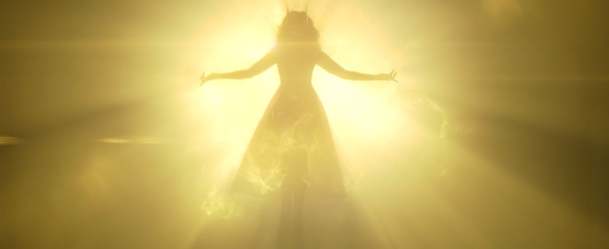 Scarlett Witch con su disfraz original proviene de la luz de la razón en WandaVision