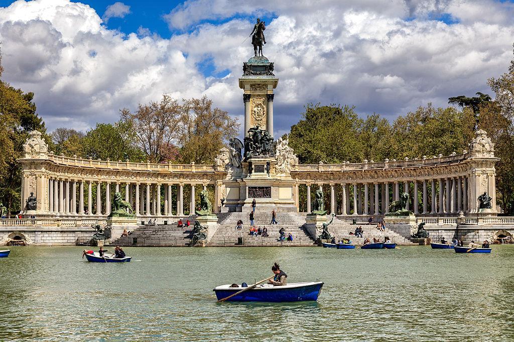 Paseo del Prado y Buen Retiro, España: La famosa calle de 200 hectáreas en el corazón de Madrid ha sido un centro de actividades culturales desde el siglo XVI.  Y la UNESCO escribió en una nota reconociéndola como Patrimonio de la Humanidad.